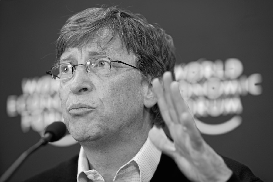 Source: https://upload.wikimedia.org/wikipedia/commons/d/d3/Bill_Gates_-_World_Economic_Forum_Annual_Meeting_Davos_2008_number3.jpg